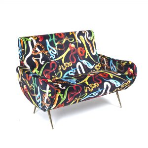 Seletti-toiletpaper-Sofa-Snakes-HOME_STOCK-1